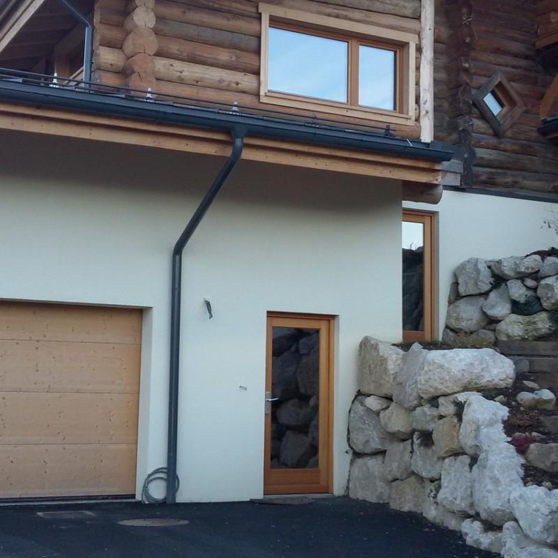 Brama drewniana.